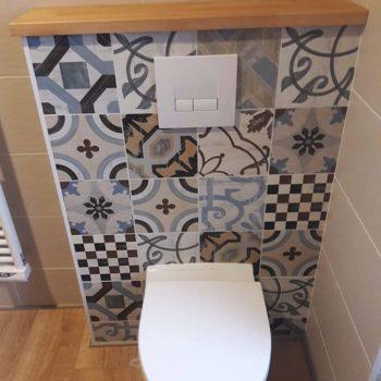 Décoration de WC en faïence en Vendée